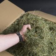 unser Pferdeheu kann in einer Schachtel oder ohne Schachtel direkt auf einer EUR-Palette bestellt werden.